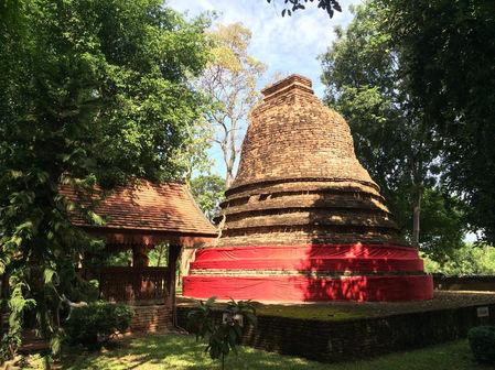 ku-chang-ku-ma-lamphun-thailand2.jpg