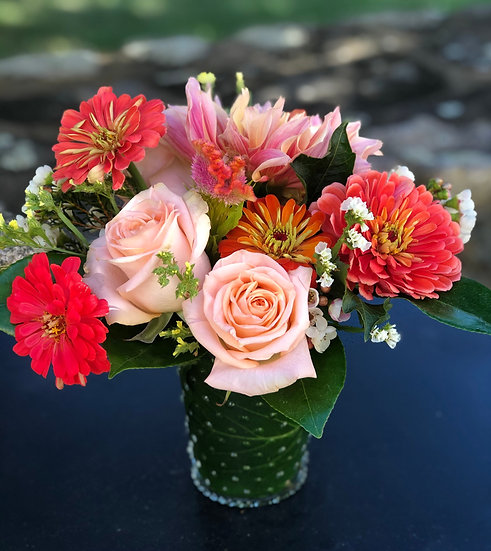 JULEP CUP BOUQUETS