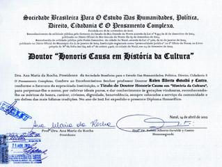 Distinguen al profesor Rubén A. Gavaldá y Castro con Diploma Honorifico en Historia de la Cultura
