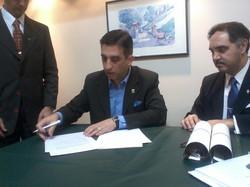 Firma de Acuerdo Institucional