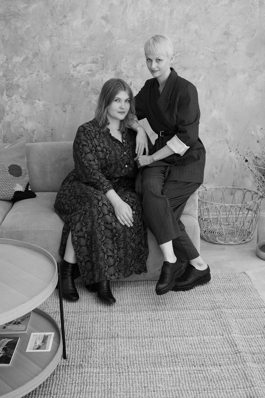"""Erfahre mehr über uns auf unserer """"Über uns"""" Seite. Brautkleider von schlicht und modern bis ausgefallene Boho Designs. Dies gibt es im Anwe bridal Store."""