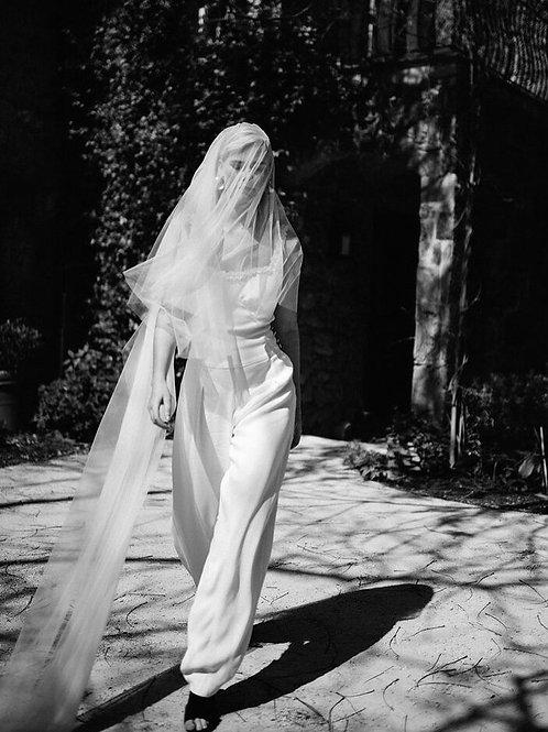 Lola Varma | Fia Veil