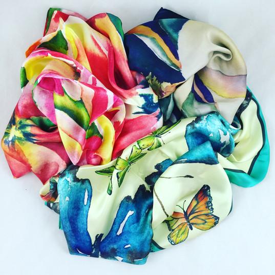 Silk scarves in Brilliant Color