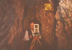 Στους διαδρόμους του σπηλαίου