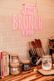Déco van brunch food