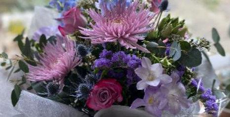 Luxury Bouquet of seasonal blooms hand tied in water
