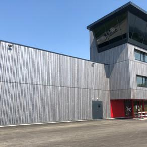 Centre d'instruction Phénix à Payerne - Une façade bien ancrée au sol