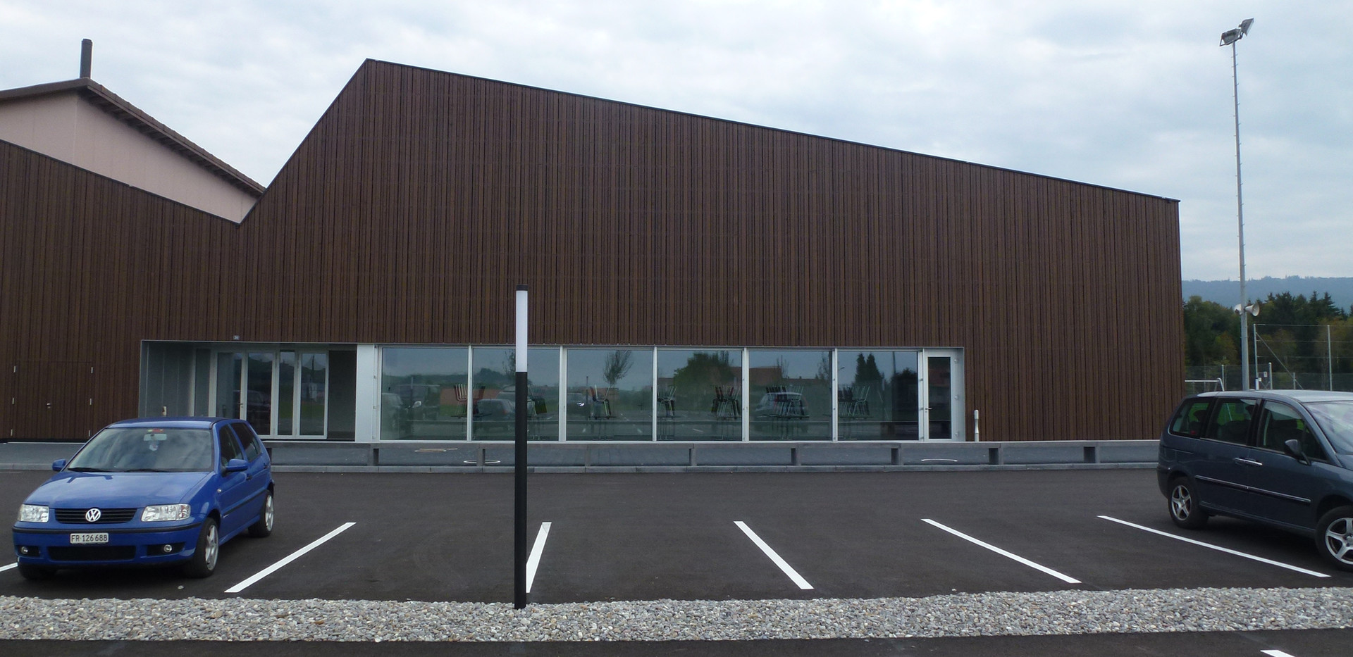 Centre sportif, Sâles