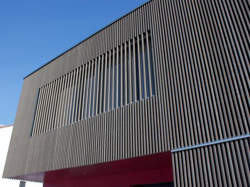 Collège du Clos du Brit, Yvonand - Façade en verticalité