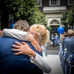 Moeder & zoon tijdens de ceremonie
