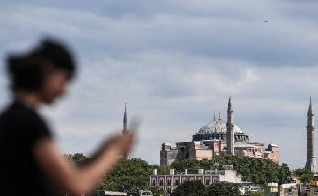"""Patriarcado caldeu: """"tristeza e dor"""" por Santa Sofia reconvertida numa mesquita"""