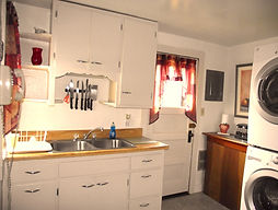 Lodging in Custer, SD our Crook Street Cottage Custer, SD in town Cabins Custer, SD