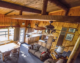 Log Cabins in Custer SD, Black Hills Vacation Home Rentals in Custer, South Dakota