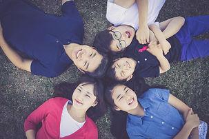 family-1599825_1920.jpg