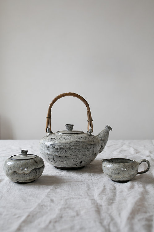 Vintage stonewere teaset glazed in fat lava