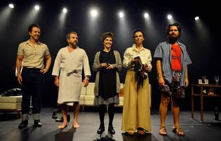 Love Love Love_Grupo 3 de Teatro.jpeg