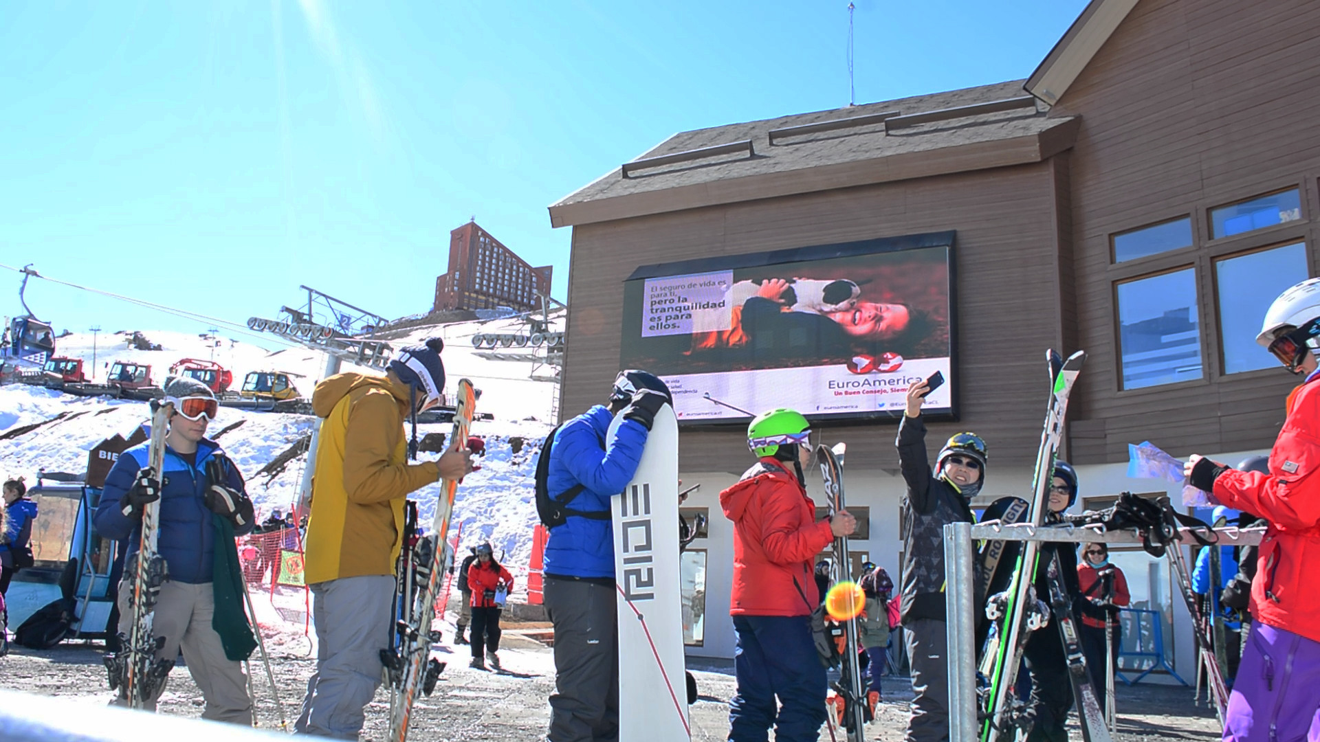 PANTALLA LED VALLE NEVADO