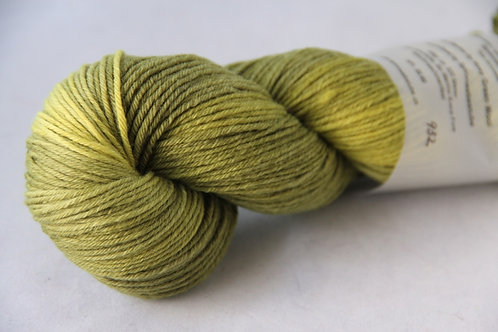 Rosy Green Wool Handdyed 932
