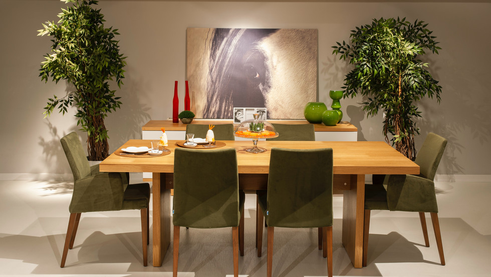 brown-wooden-table-with-chairs-4170036.j