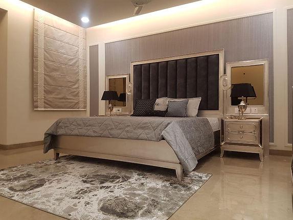 Aakriti Madeline Bed
