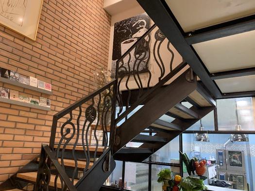 Treppenaufgang Stahl-Holz