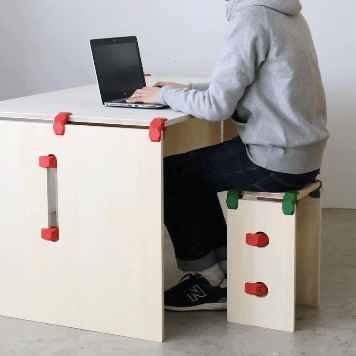 שולחן כתיבה וכיסא מודולרי מעוצב