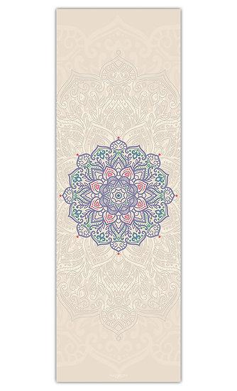 """שטיח יוגה מנדלה סגולה על רקע בז' במידה 60/180 ס""""מ"""