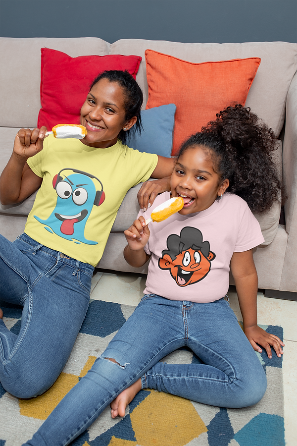 tee-mockup-of-a-mom-and-her-daughter-eat