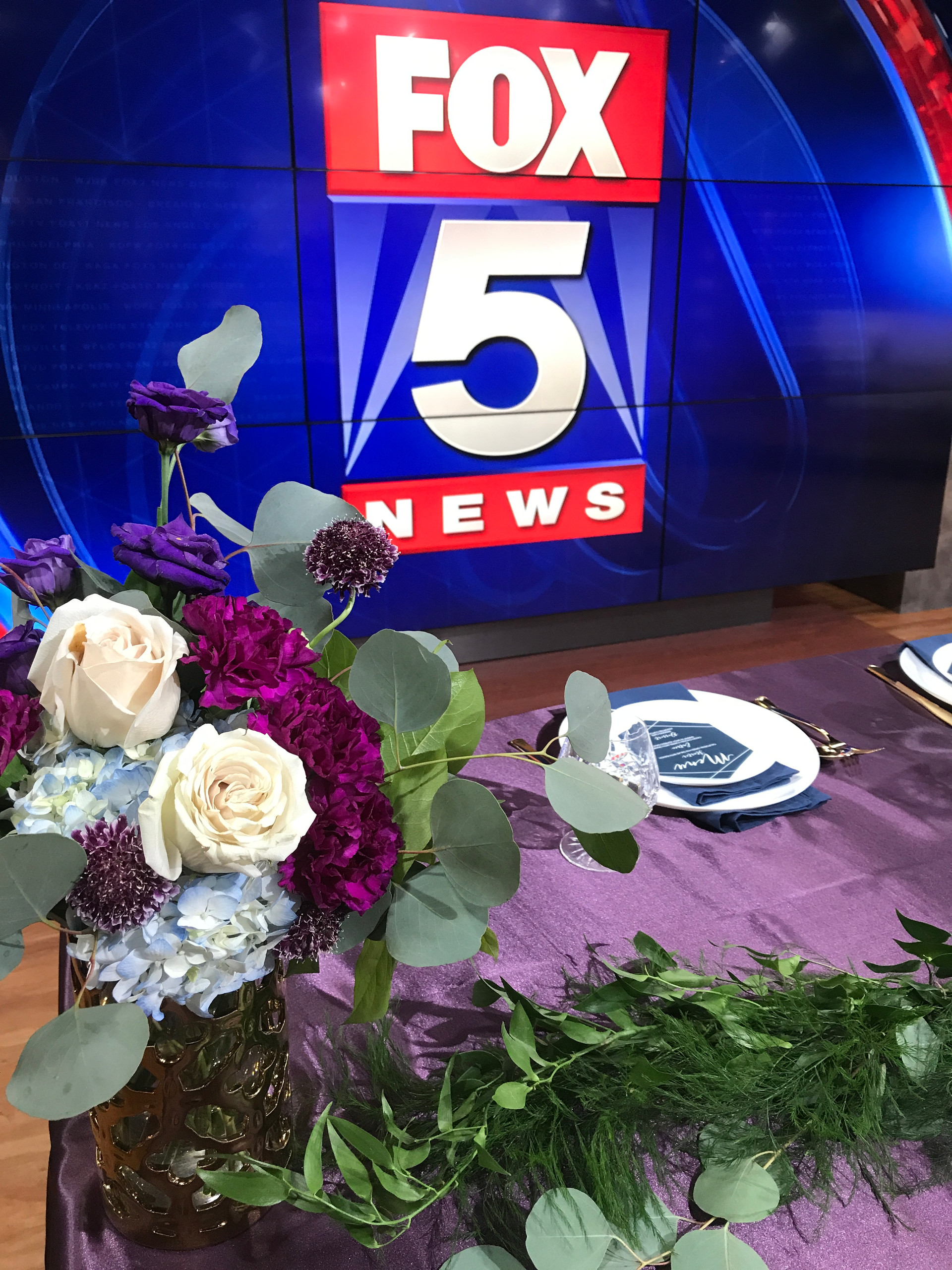 Fox5Weddings30
