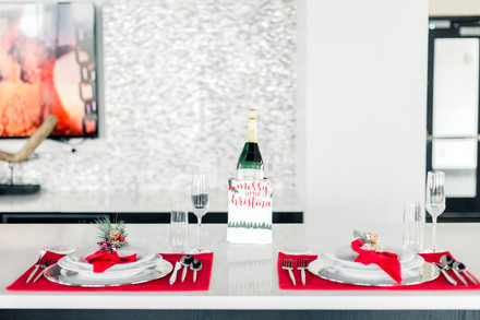 6 Holiday Decorating and Entertaining Tips
