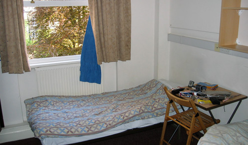 A hostel room in London that only cost 8 pounds per night!