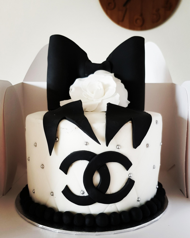 Gâteau Chanel