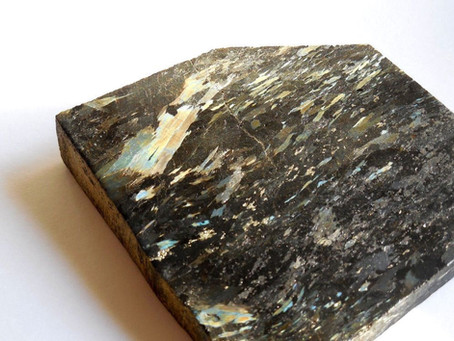 Reiki Healing Crystals - NUUMMITE