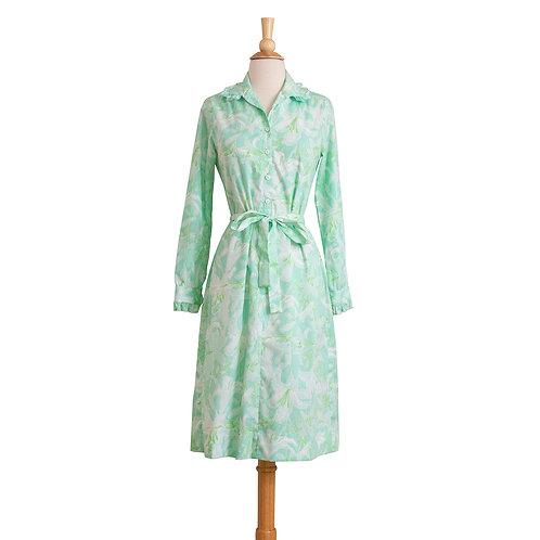 1970s grean floral print shirtwaist dress with waist tie front view