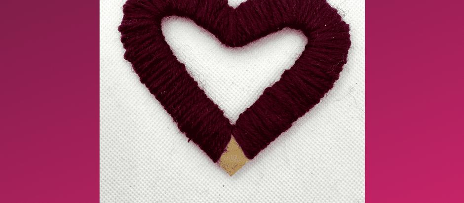 Bastelideen für Muttertag aus Wolle und Stoff - einfach erklärt für Kinder