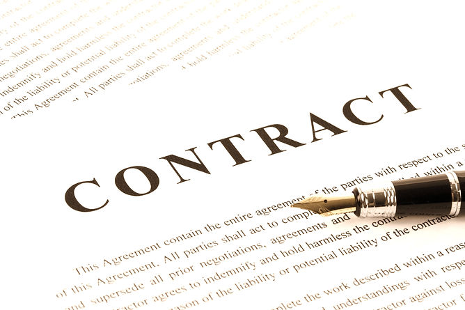 Business%20Contract%20and%20pen%20close%20up_edited.jpg