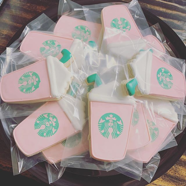 Pink Frappuccino Party! ._._._