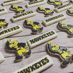 Iowa Hawkeyes Graduation Cookies _theiow