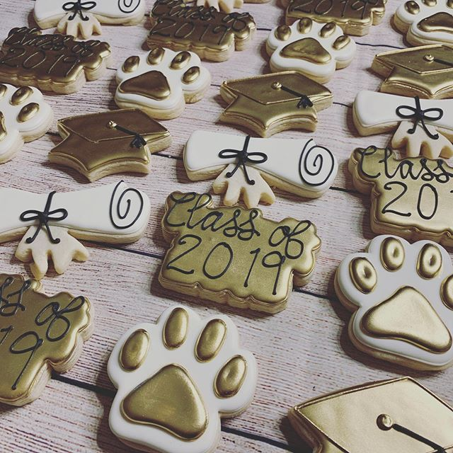 All the Gold! #decoratedcookies #sugarco