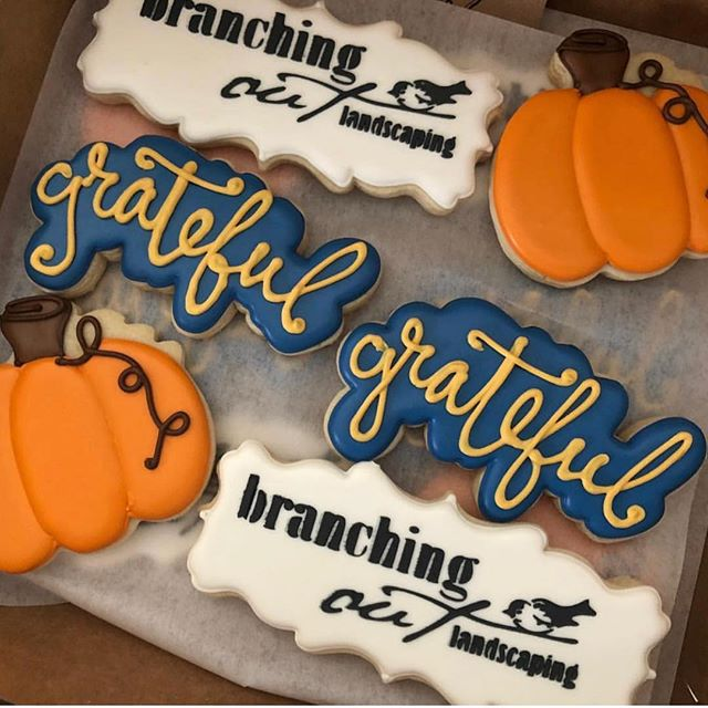 Logo Thanksgiving Boxes