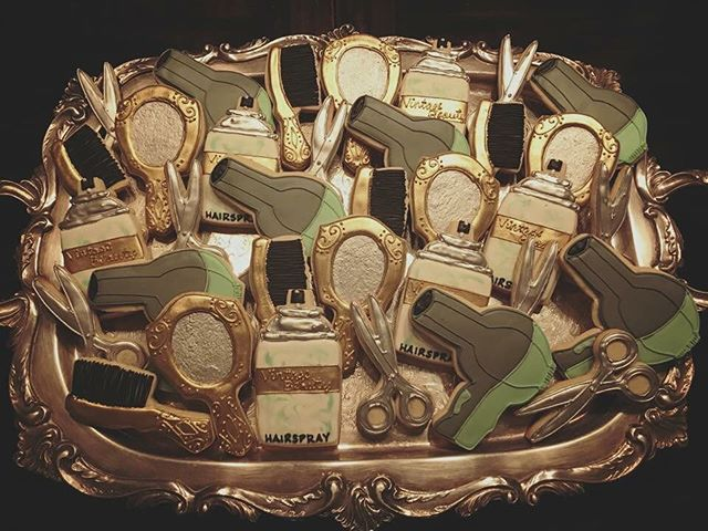 Vintage Beauty #royalicing #sugar #sweet #sugarcookies #hair #mirror #brush #blowdryer #scissors #ha