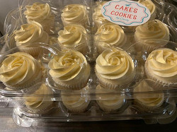 Gold Cupcakes 🧁