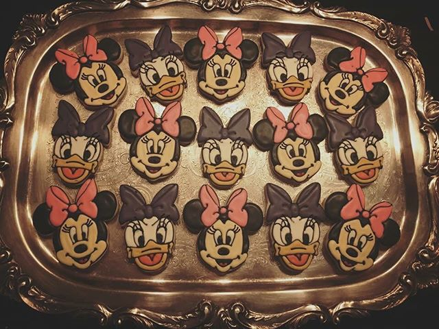Minnie Mouse & Daisy Duck Cookies