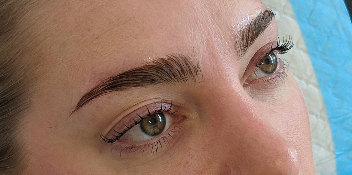Beautifully Shaped Eyebrows with Brow La