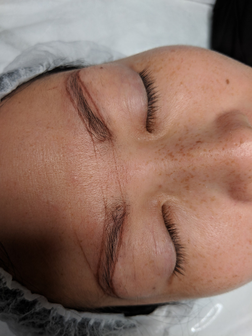 Eyebrows mapping for microblading.jpg