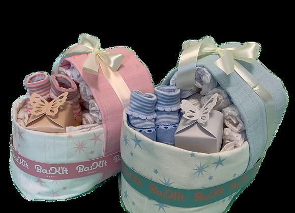 מתנה ללידה - עוגת טיטולים - עריסה