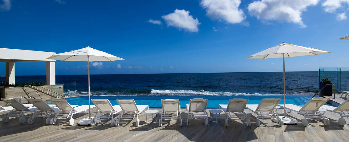 Serafina pool deck