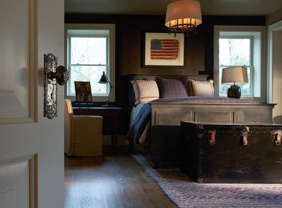 Cozy mountain bedroom