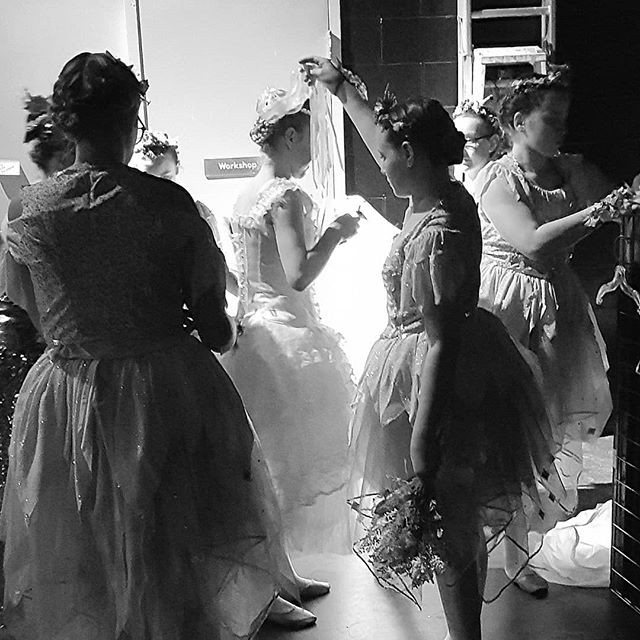The backstage rush to get #thumbelina re