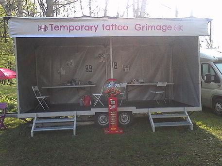 stand tatouage éphémère